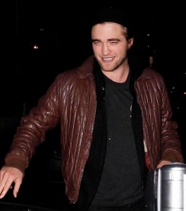 Robert Pattinson Leaving Il Sole Restaurant