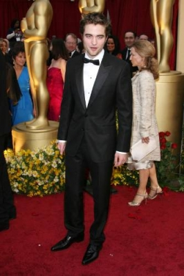 rob-red-carpet-oscars