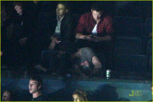 Shhhh if I hid in this shadow my fiance will NEVER see these pictures of us at a KOL concert!
