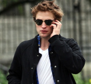 Robert Pattinson Phone Number on Rob Pattinson Responds To His Fanmail    Letters To Rob